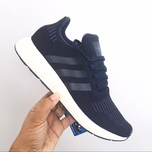 Mens Adidas Swift Run Navy Blue Size 9